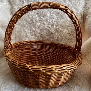 "Vintage 13"" Large Wicker Basket Sturdy Farmhouse"